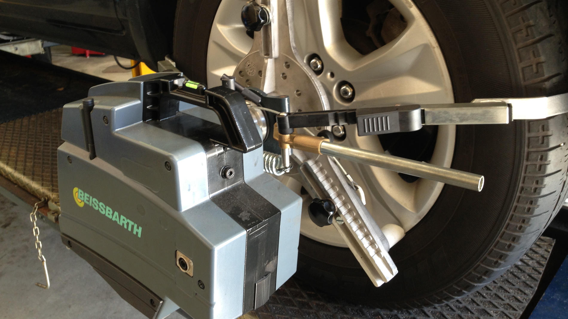 Tyres & Wheel Alignment Mechanic